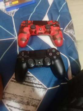 Ps 4 with 3 games - God of war , petroit and the last of us