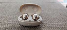 1more earbuds excellent condition under warranty