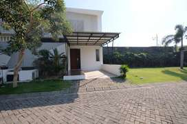 MURAH Dijual Rumah Moca Dian Istana ada kolam renang Surabaya Barat