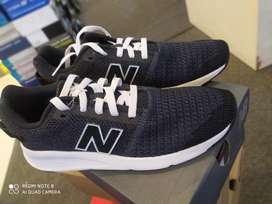 Adidas lifestyle sepatu sport Sz 42
