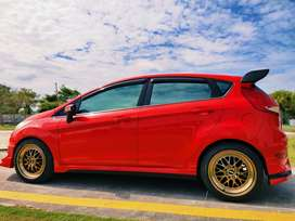 Dijual Ford fiesta 1.4 trend manual 2013 langka sangat istimewa