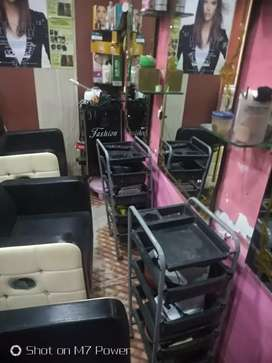 A parlour set at good condition, and looks stylish with lower price.