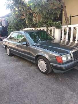 Mercedez Benz E300 1987 Mewah!