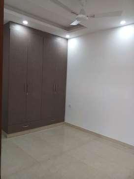 1 room set builder floor in saket