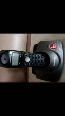 Telepon wireless Panasonic KX-TG 1100 CX. Normal, murah & bergaransi.