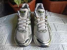 Sepatu asics canbarra 4 sneakers cowok