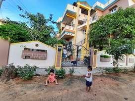 Corner building @ Harapanalli - Kottur/Hospete bypass road.