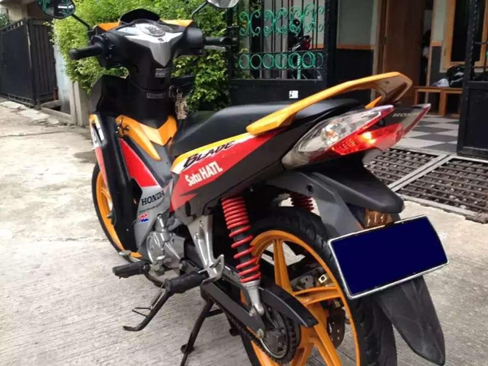 BUTUH UANG!!! Motor Honda Blade Repsol 2013