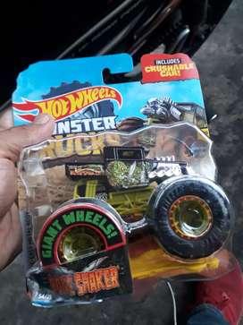 Hotwheels Monster truck Saint Storm