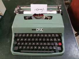 Manual and Electronic Typewriters