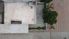 Huge Corner House for Sale, Big Common Plot, Good for building new.
