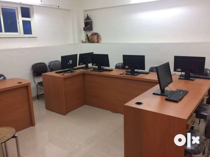 Main EC Road Facing-Office on Rent-Ground Floor-300 Sq.ft.-Furnished 0