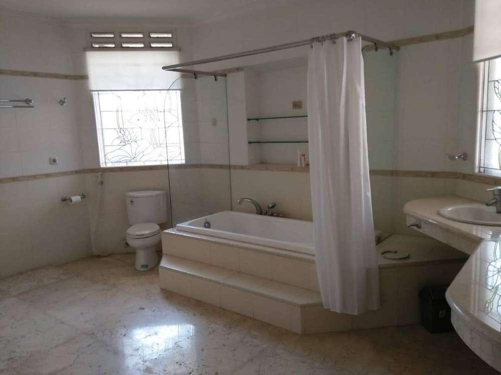 dago asri rumah nyaman dengan 5 kamar tidur