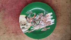 Piring antik gambar dewi kuwanin