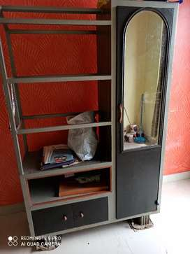 Steel alna with mirror in good condition