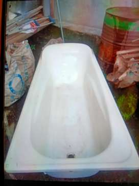 Bathtub Panjang Porselain