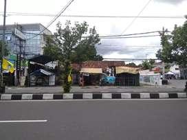 Tanah Disewakan Pinggir Jalan Raya Utama Timur Ambarukmo Plaza