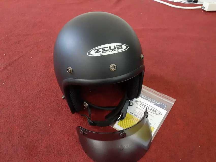 Dijual Helm Retro Zeus 0