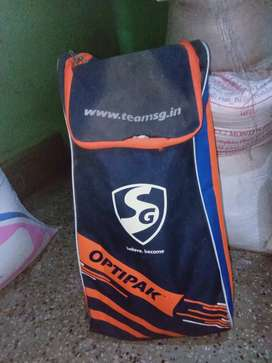 SELL CRICKET KIT AND COMPONY OF (SG OPTIPAK) AND I WANT TO SELL CRIC..