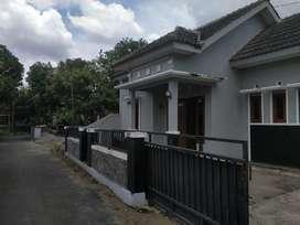Dijual rumah murah dengan tanah luas di Drono Tridadi Sleman Yogyakart