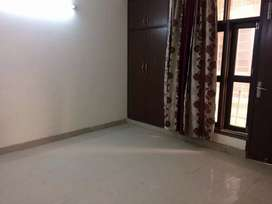 1 single room for rent in Saket