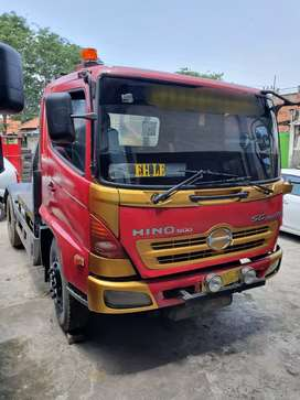 Di jual Hino Tractor Head SG260TH (2009)