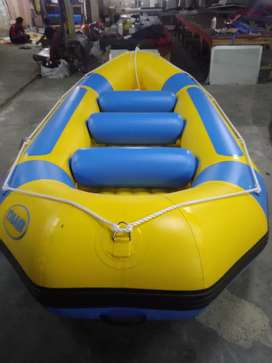 Perahu karet rafting kuning kap 8 orang