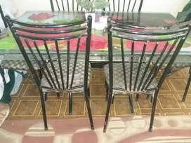Selling this slighty used dining table