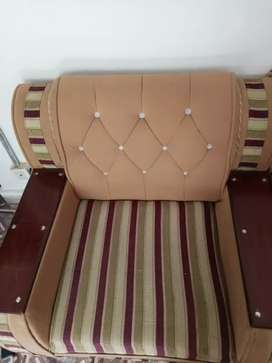 5 Seater Sofa Set in Well condition.