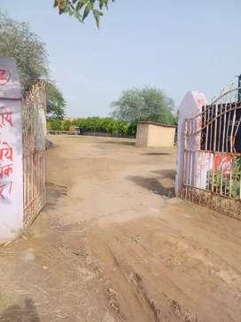 Plot plot main Mathura Road per Sikri Chowk ke paas Faridabad
