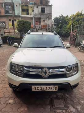 2017 Renault Duster Petrol with service record. Fix price