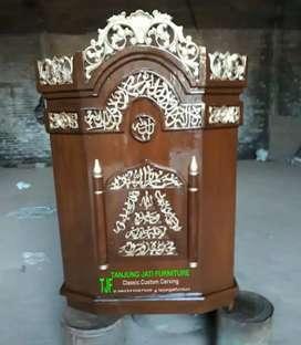 Mimbar podium masjid ukir kayu jati