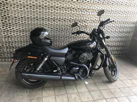 Harley Street 750. Mint condition. Single owner. Self driven.