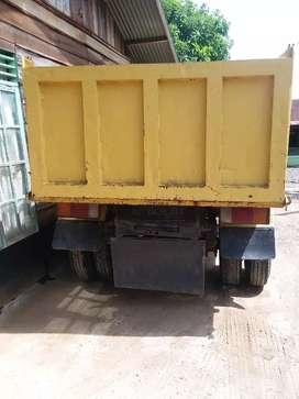 Dijual cepat Dump truck ps 120 th 2003.