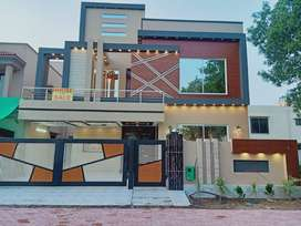 10 Marla House For Sale In Jasmine Block Of Bahria Town Lahore