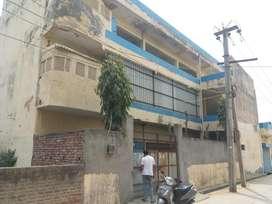 450gaj area 3 floor 18 hall 30 fit road good location near metro stati