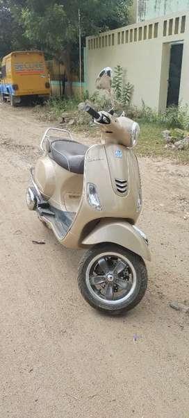 Vespa Elegante VXL 150 Special Edition