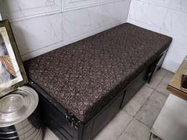 Rot iron bed with mattress