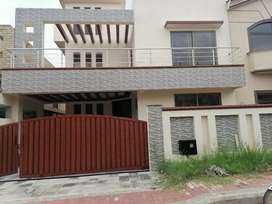 Amazing brand new 1 kanal upper portion rent in bahria town phase #5