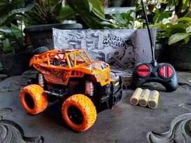 Mobil Remot Mini RC Offroad Rock Crawler Batre Cas