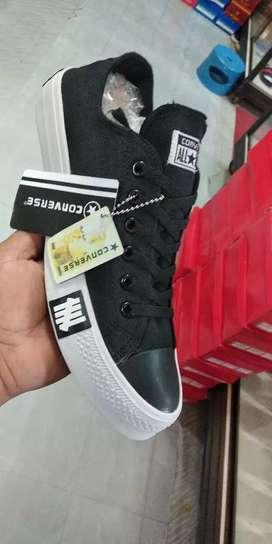 Sepatu cassual convesCOD(BARANG SAMPAI BARU BAYAR)