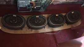 4 kenwood speakers almost new 2 months used
