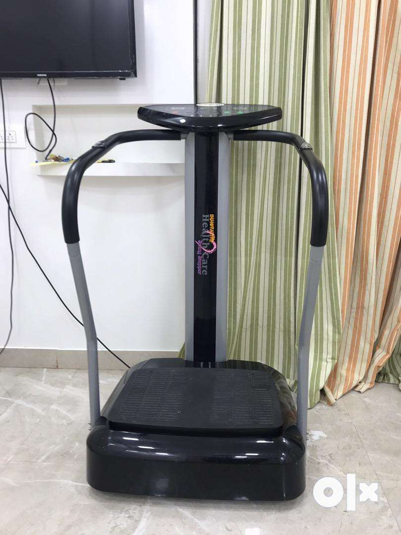 Body vibrating/massaging machine 0