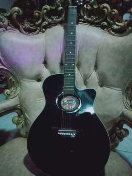 Gitar Yamaha Warna Hitam