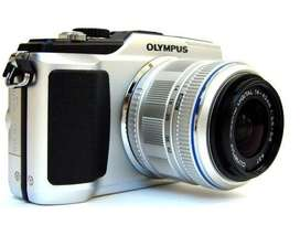 Olympus Pen E-PL2 Camera with 14-42mm Autofocus Kit Lens.