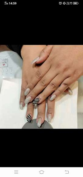Nails artist required for salon