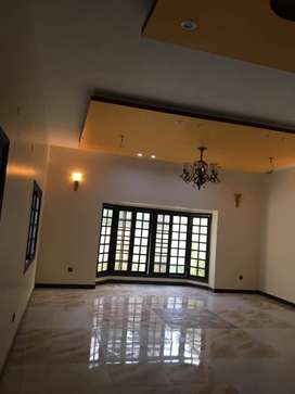3 bed dd d/d drawing dining with roof nazimabad 1J 133 sq yrd portion