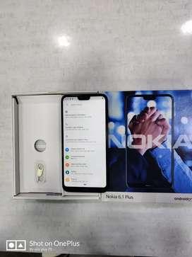 Nokia 6.1plus 4/64 //