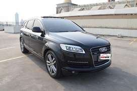 Audi Q7 Hitam Tahun 2006 / 2007 Sunroof 7 Seater Perfect