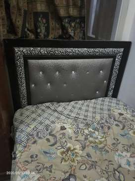 Single Bed Made by Iron pipe and foam mattress